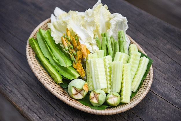 タイ野菜バスケット-キュウリmber子白菜と白菜のセット