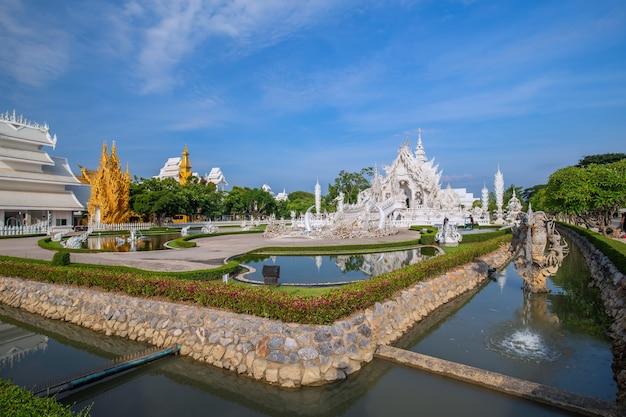 Тайский белый храм, ват ронг кхун, провинция чианграй, северный таиланд