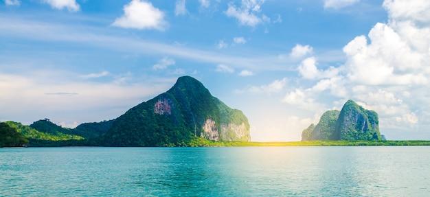 タイの風景写真島のtrang地方で青空と海 Premium写真