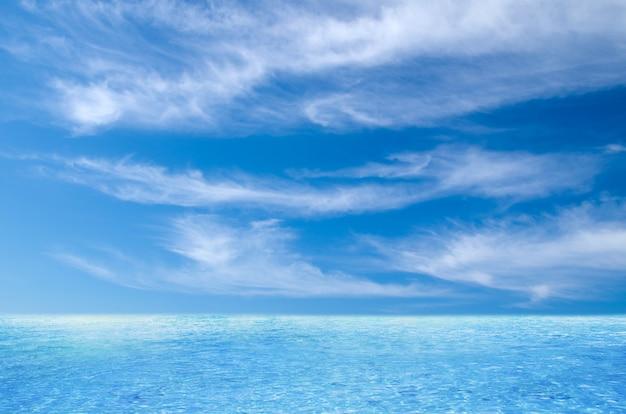 태국 바다와 완벽한 하늘