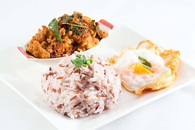 タイのスパイシーな食べ物