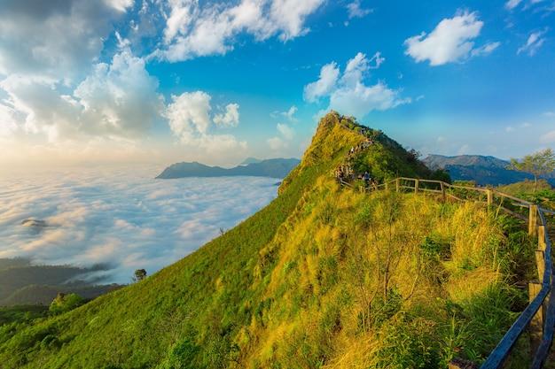 태국 치앙라이 태국 푸치다오 산의 일출