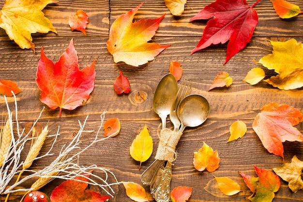 День благодарения осенние листья фон