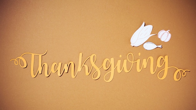 Thanksgiving lettering with paper food