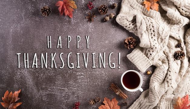 感謝祭と秋の構成一杯のコーヒー綿の花紅葉