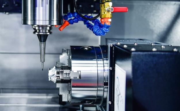 軸cncは、スイベルヘッドマシンテーブルを利用し、表面の金属加工産業と同じ高さの設計構成のために機械を粉砕します