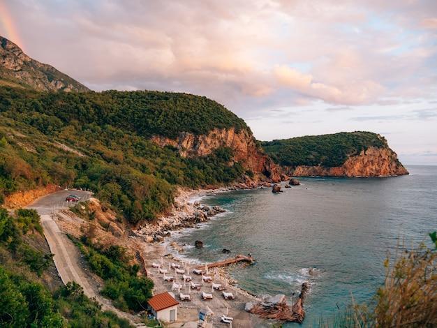 Пляж црвена главица в черногории