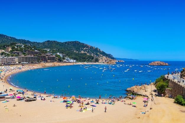Tossa de mar, costa brava, spain의 해변