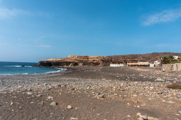 Пляж аджуй, пахара, западное побережье острова фуэртевентура, канарские острова. испания