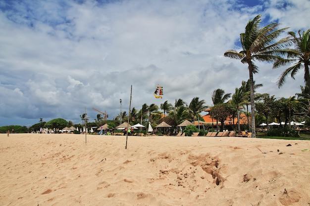 ヌサドゥアのビーチ、バリ島、インドネシア