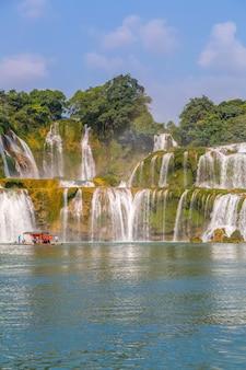 中国広西チワン族自治区の美しく壮大なdetian滝