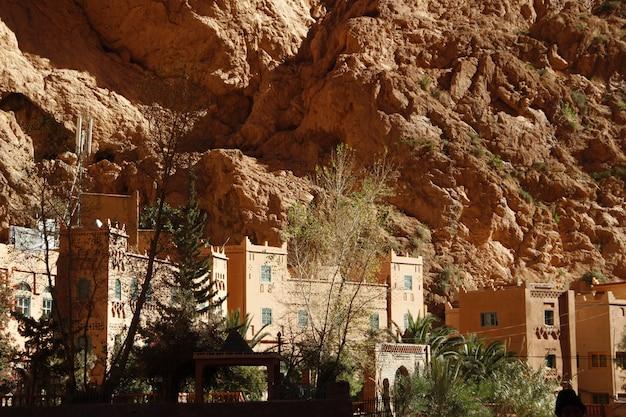 トドラ渓谷内の美しい城。モロッコ