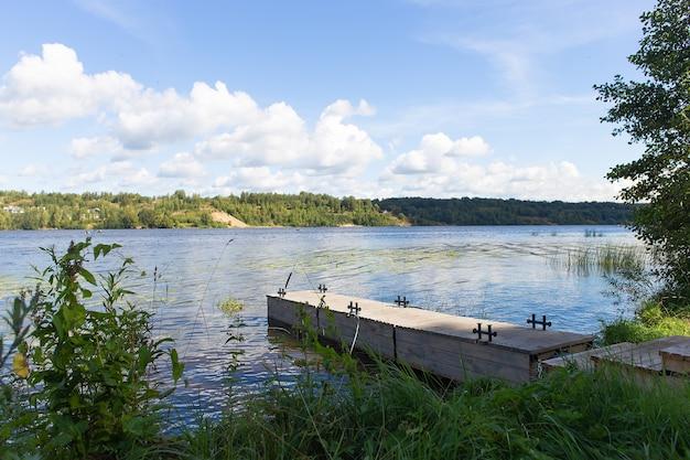 川の美しい景色、美しい自然