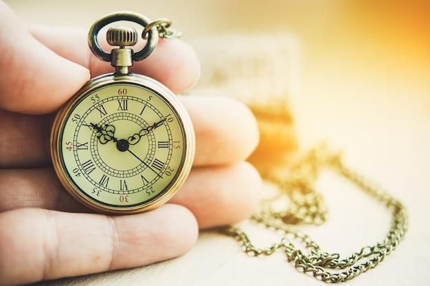 고대 시계의 아름다움.