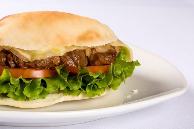 ベイルート-ブラジルのサンドイッチ。