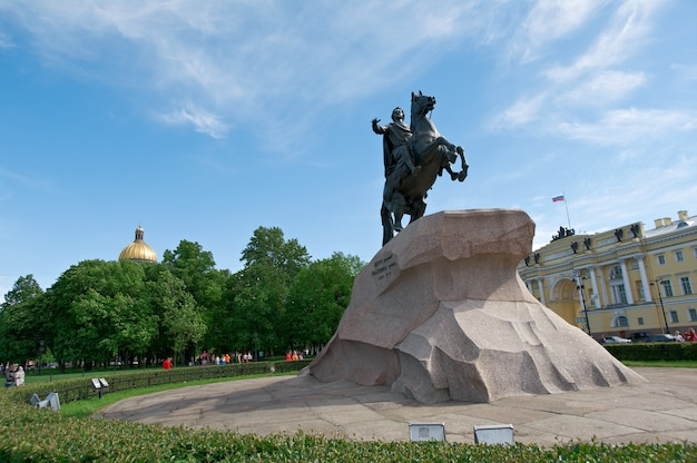 Медный всадник - памятник петру великому. санкт-петербург, россия, 4 июня 2015 г.