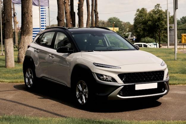 Автомобиль из нового модельного ряда.
