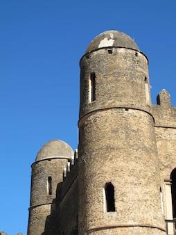 Замок в городе гондор, эфиопия