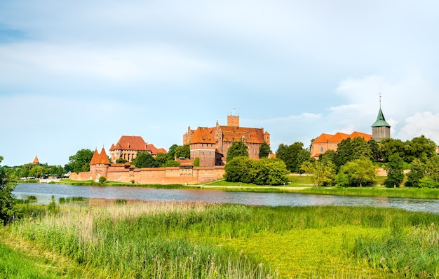폴란드 포메 라니아의 말보르 크에있는 튜턴 교단의 성