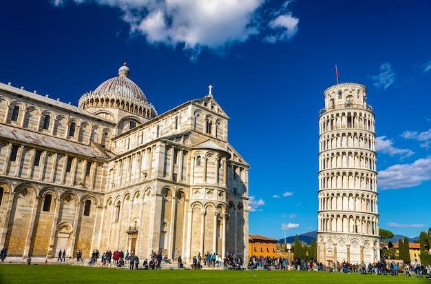 Собор и пизанская башня - италия