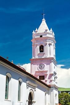 Кафедральный собор санта-мария-ла-антигуа в каско-вьехо, панама