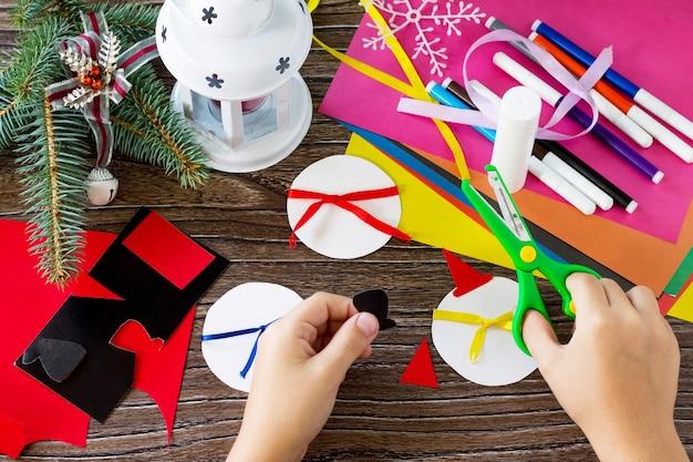 子供は子供のためのクリスマス雪だるまメリーギフト手作り工芸品の詳細を切り取ります
