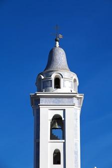 アルゼンチン、ブエノスアイレスのレコレータ地区にある教会