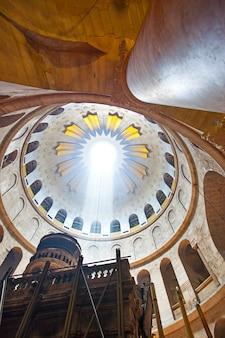Храм гроба господня в иерусалиме, израиль. место для текста