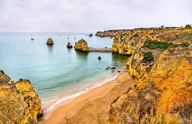 라고스 해안의 절벽 - 포르투갈 알가르베
