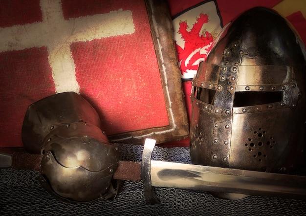중세 기사 갑옷의 구성