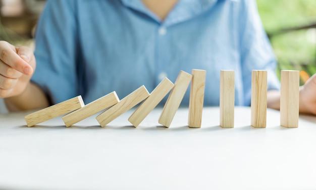 ビジネスの概念と市場のリスク
