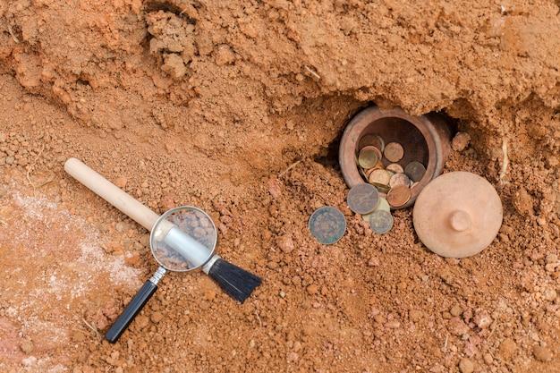 지하에서 보물을 발견하는 개념.