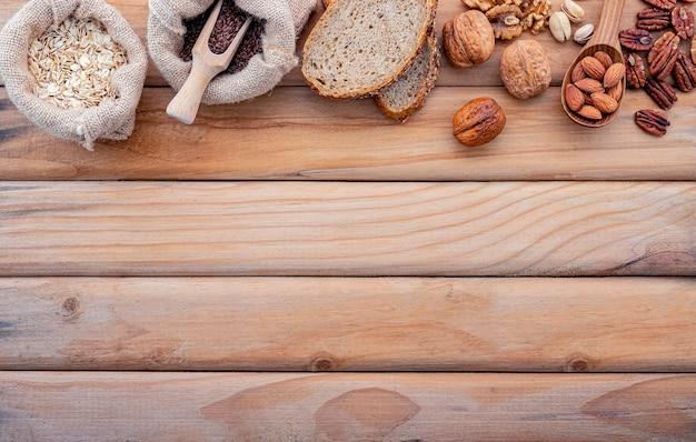 초라한 나무에 설정된 건강 식품의 개념