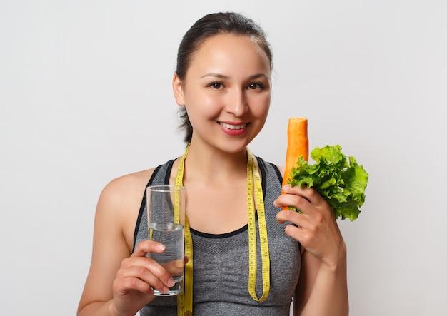健康的な栄養、ローフードダイエット、野菜、減量の概念
