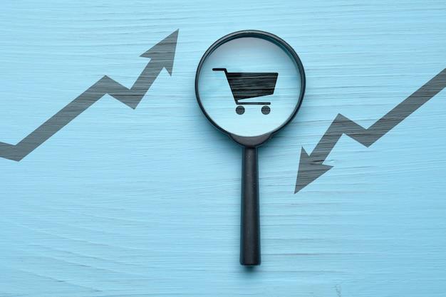 売上の成長と減少に関する研究の概念。
