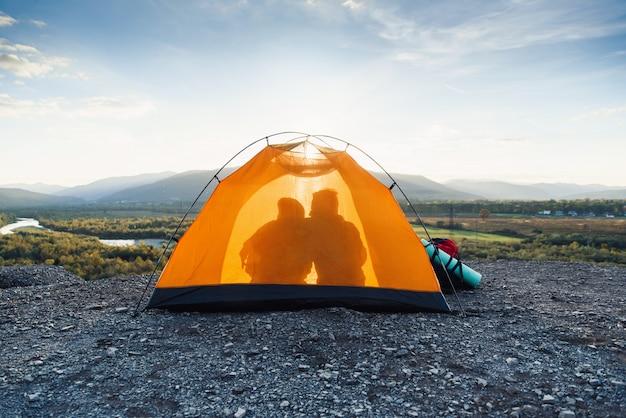 여행, 관광 및 관계의 개념.
