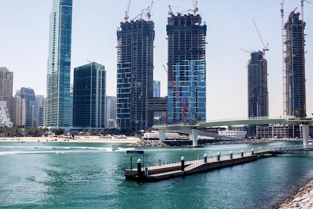 ドバイの高層ビルの建設