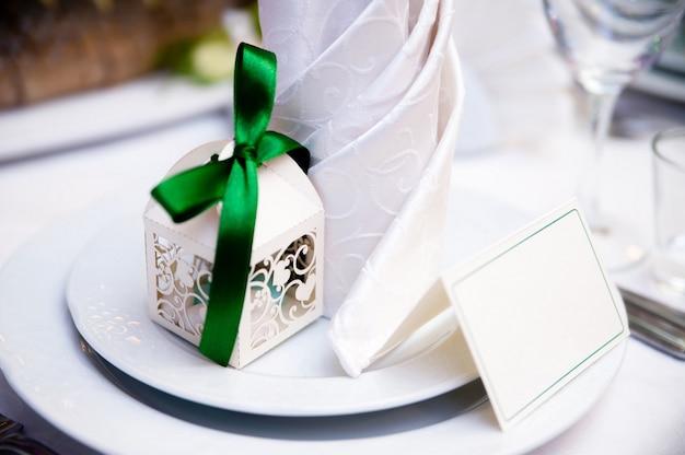 Украшение столов на свадьбе.