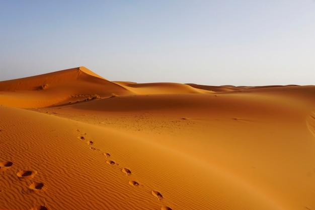 모로코 erg chebbi의 모래 언덕