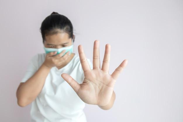 インフルエンザの流行、コロナウイルスまたはcovid-19および病気の概念