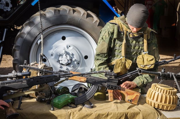 歩兵の武器と装備の展示