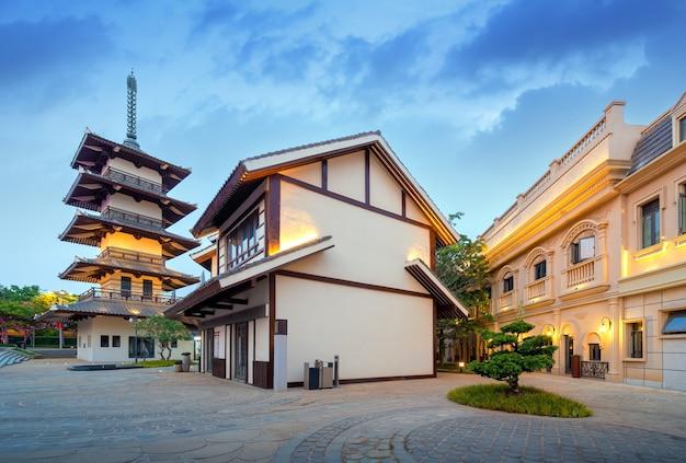 중국 하이난 하이화 섬의 이국적인 건축물.
