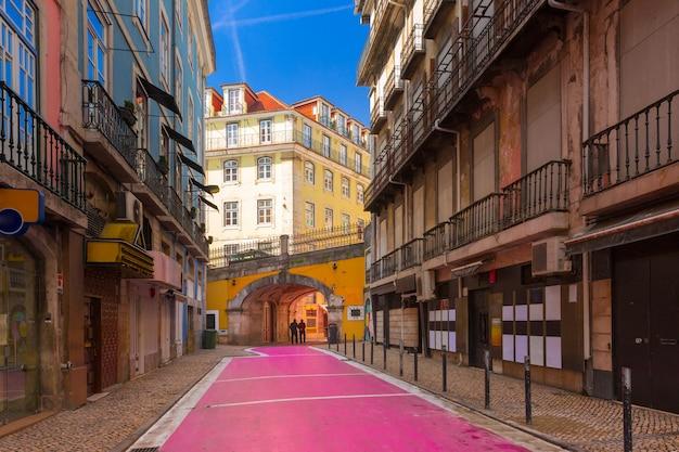 ポルトガル、リスボンの有名なピンク通り
