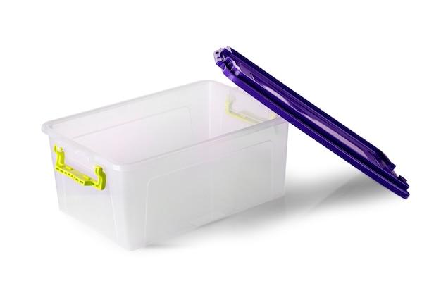 Пластиковая коробка еды изолированная на белизне.