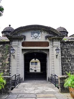 Крепость в городе манила филиппины Premium Фотографии