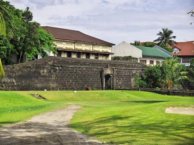 Крепость в городе манила филиппины