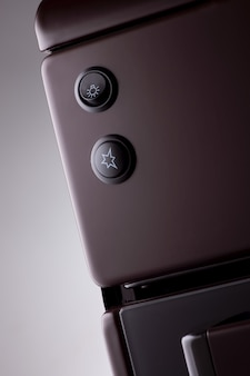 버튼이 있는 현대식 가스레인지 앞부분