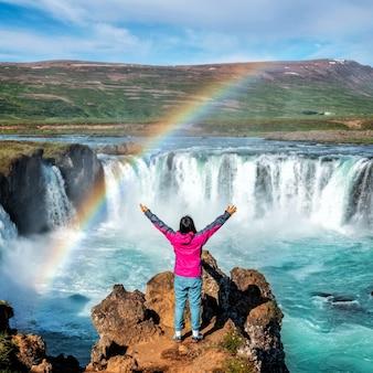 Водопад годафосс на севере исландии.