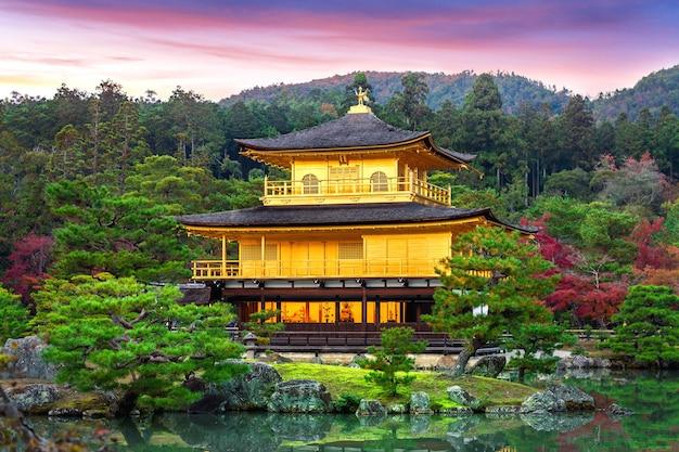 金閣寺。京都の金閣寺。