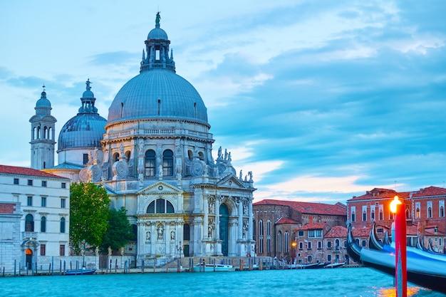 저녁, 이탈리아 베니스의 대운하와 산타 마리아 델라 살루테 교회